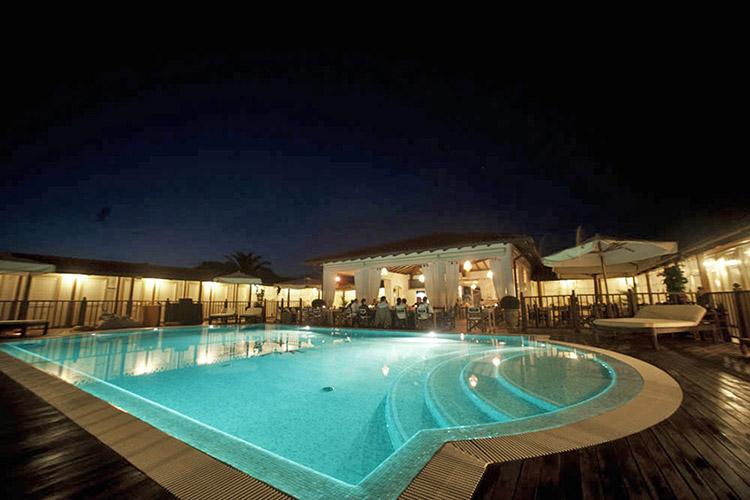 Golden book hotels bagno ristorante franco mare marina di pietrasanta lu - Bagno davide gatteo mare ...