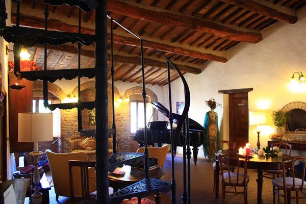Golden book hotels locanda del loggiato bagno vignoni si - Bagno vignoni locanda ...